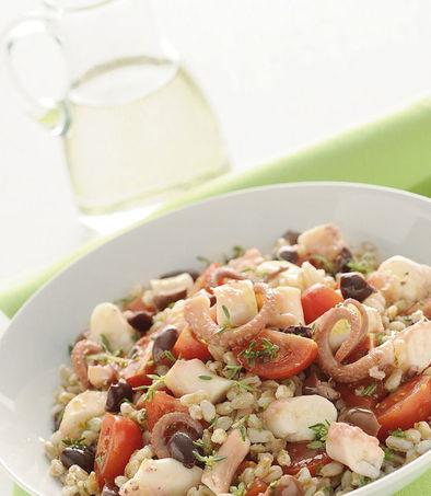 Салат из полбы с осьминогами