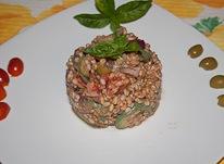 Салат из полбы и тунца