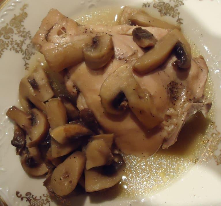 Куриные бедрышки с грибами