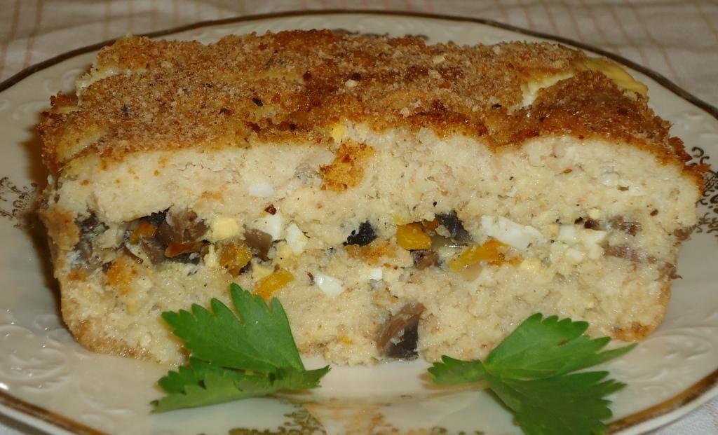 Рыбный пирог с грибами