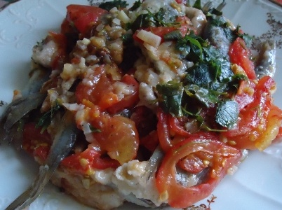 Сардины с помидорами