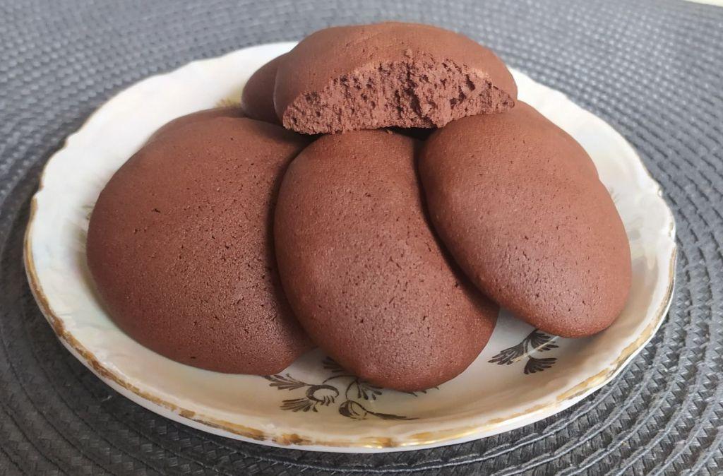 Шоколадное бисквитное печенье