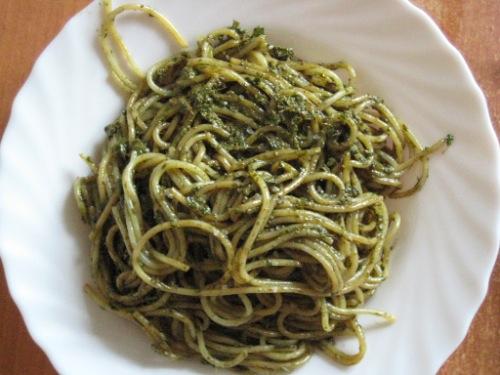 Спагетти с песто (Spaghetti con pesto)