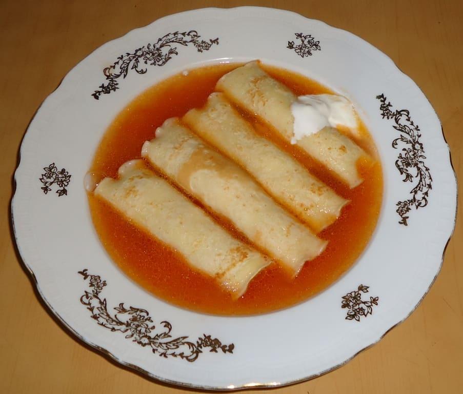 Суп с фаршированными блинчиками