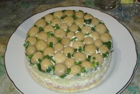 Закусочный торт с шампиньонами